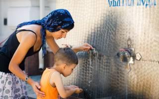 Умыть ребенка святой водой молитва